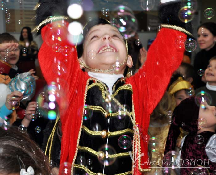 корпоративные детские новогодние праздники в стиле Капризная Ёлка