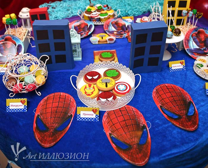 Кенди бар и торт на заказ на День рождения ребенка Киев в стиле Супергерои
