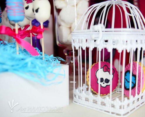 Кенди бар и торт на заказ на День рождения ребенка Киев в стиле Monster High