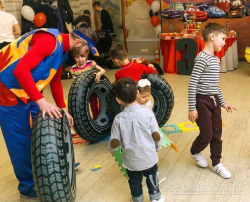 Аниматоры Киев на детский праздник в стиле Тачки